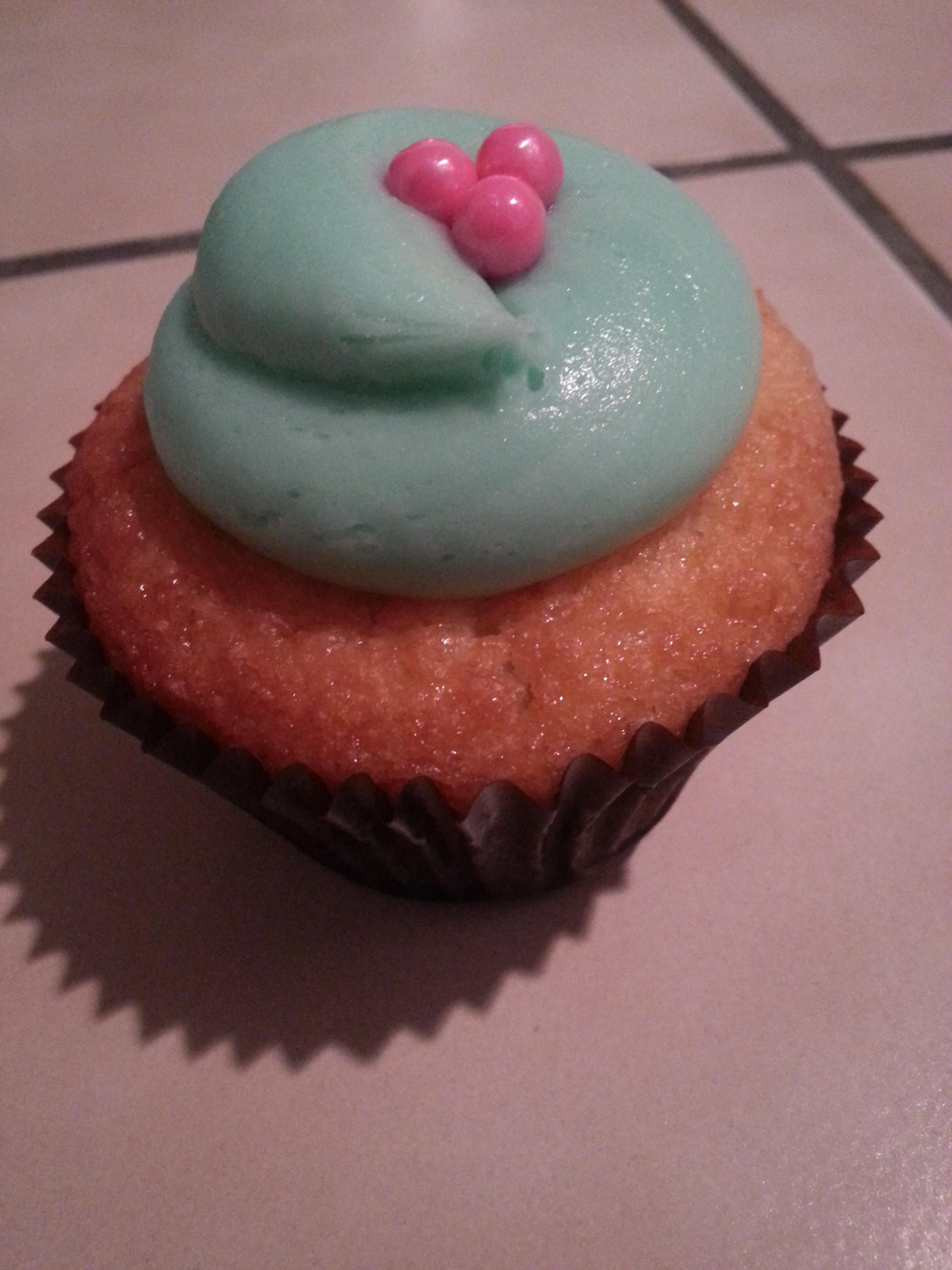 Aqua cupcake
