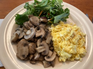 Scrambled eggs and mushrooms