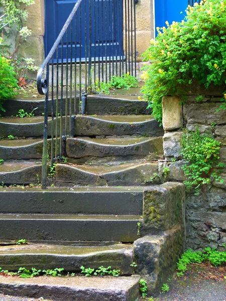 Sagging stairs