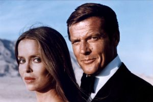 Roger Moore James Bond 007 The Spy Who Loved Me Barbara Bach