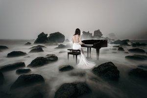 Bride piano wedding dress mist fog music